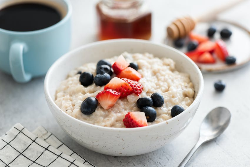 porridge and coffee can be a healthy and filling breakfast