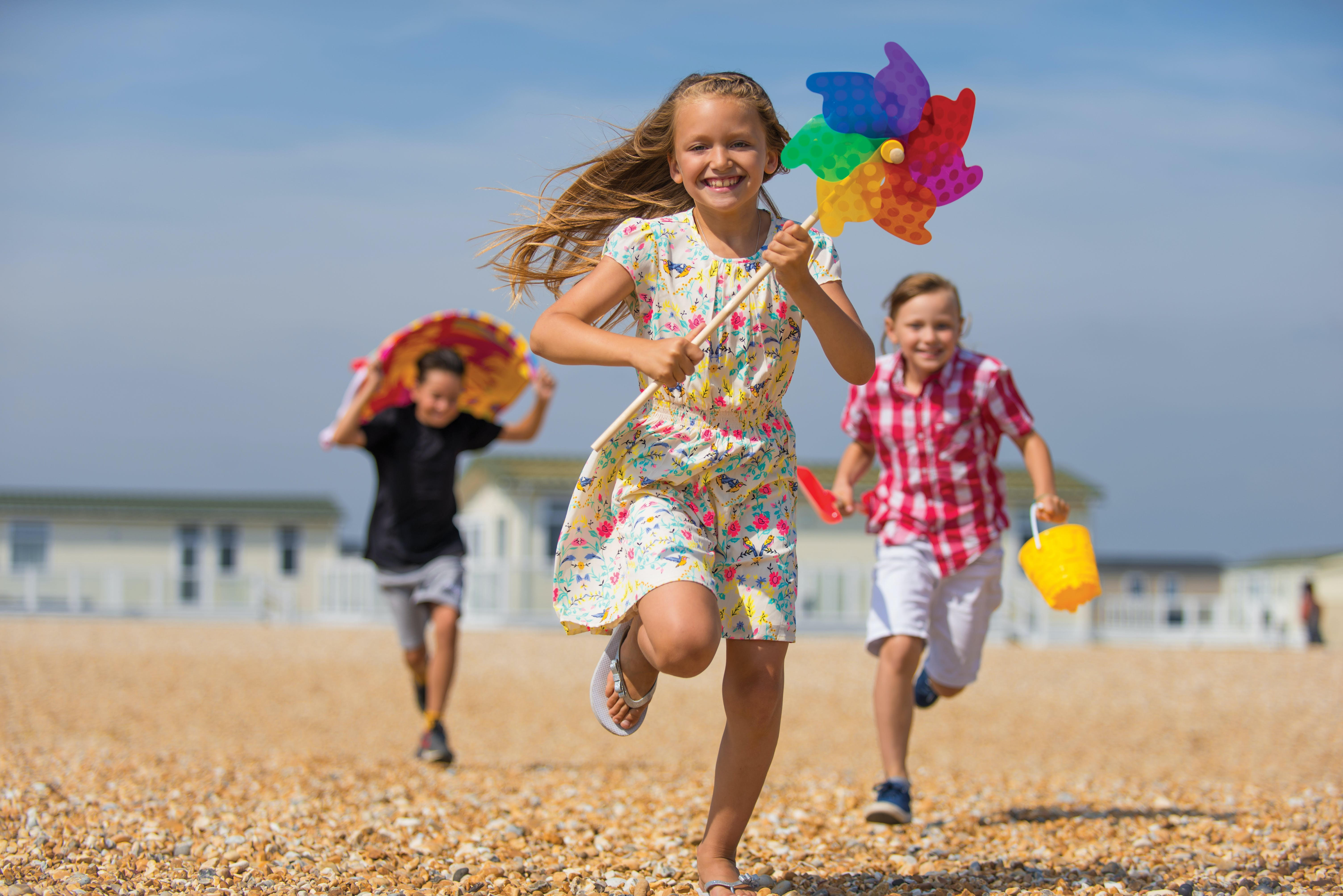 Image of children on the beach at a Bunn Leisure holiday