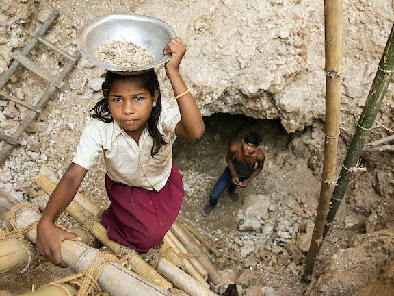 Kinderen in de mica mijnen