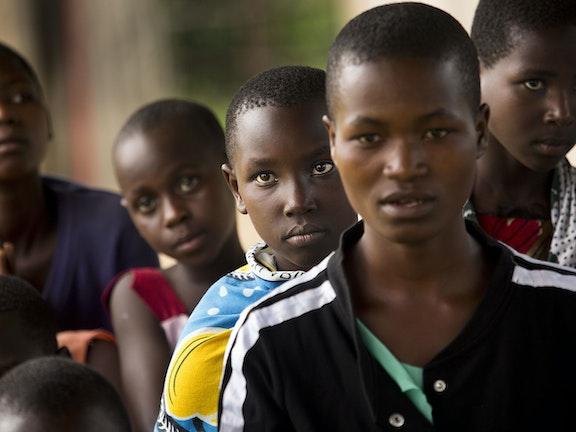 Tanzaniaanse politie verricht 142 arrestaties in verband met meisjesbesnijdenis