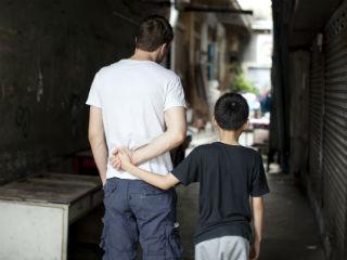 thailand_boy_with_adult_320x240.jpg
