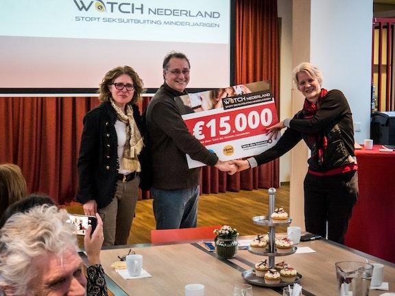 Terre des Hommes Leeuwarden geeft €15.000 aan WATCH Nederland