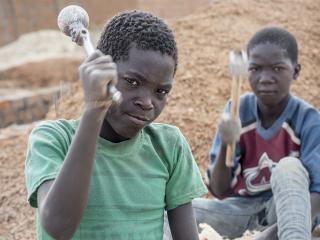 kinderarbeid_tanzania_1000_x_750.jpg