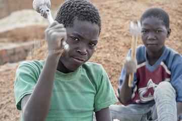 870 kindarbeiders ontdekt in Oeganda Terre des Hommes