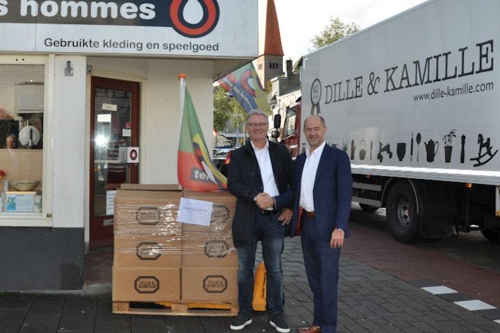 Dille & Kamille verstrekt 100ste pallet aan Terre des Hommes tweedehands winkels kringloopwinkels