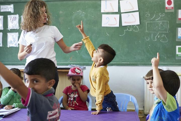 NGO-consortium opent met project 'Back to the Future' 19 brede scholen in Libanon vluchtkinderen Syrië noodhulp Terre des Hommes