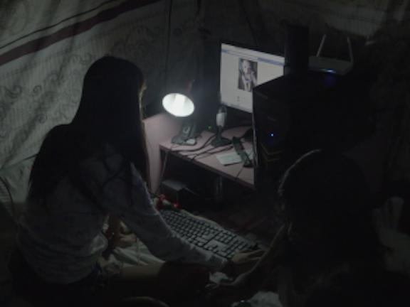 International premiere of documentary 'Children of the Webcam' Terre des Hommes webcamseks met kinderen
