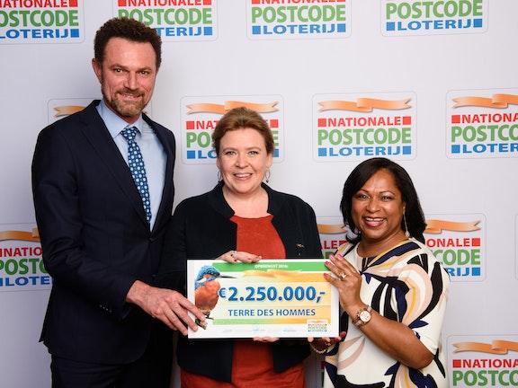 Nationale Postcode Loterij schenkt Terre des Hommes 2,25 miljoen euro Roy Busker Fotografie
