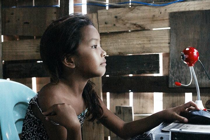Kamermeerderheid wil actie tegen webcamseks met kinderen