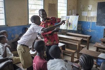 Zaterdagklasjes voor kinderen in goudmijnen in Tanzania Terre des Hommes kinderarbeid