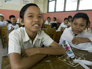 kinderen_naar_school_indonesie.jpg