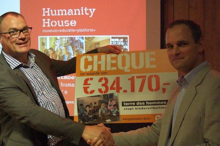 Actie van supermarktketen Coop levert €34.170 op voor strijd tegen kindermisbruik Terre des Hommes
