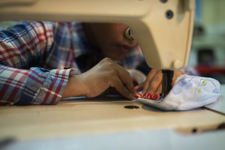 Handen ineen met duurzaam modelabel Studio JUX Terre des Hommes Nepal
