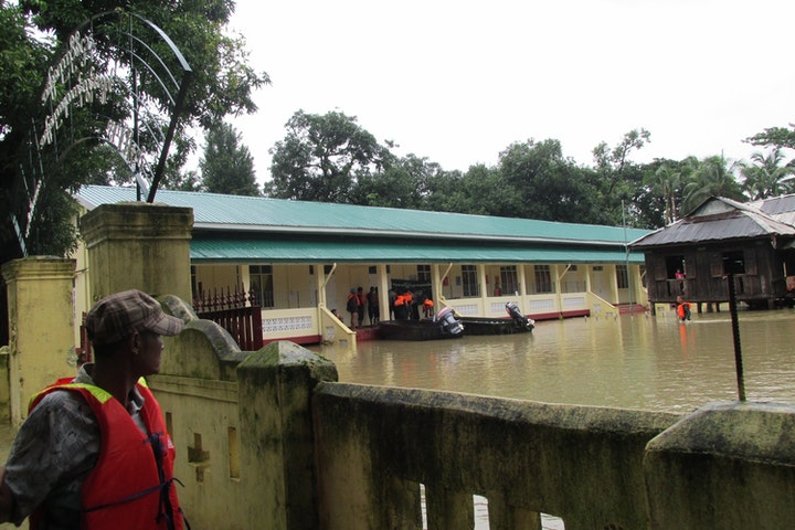 Hulp slachtoffers overstromingen Myanmar