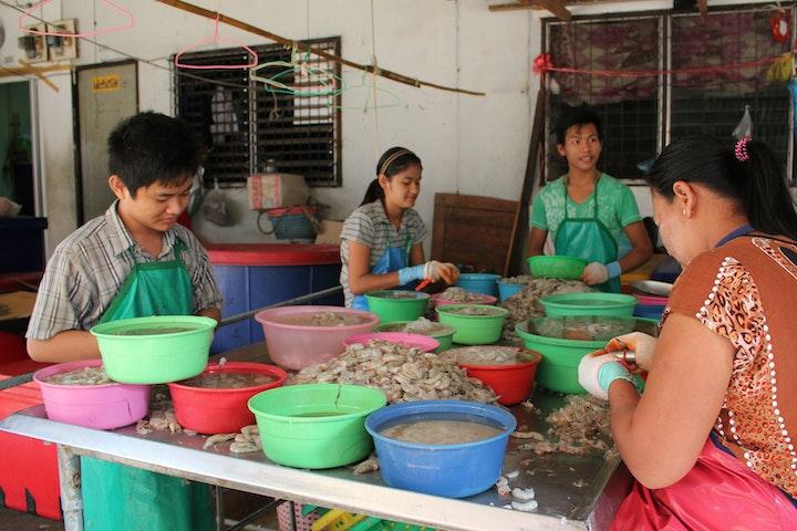 Kinderarbeid garnalenindustrie Thailand