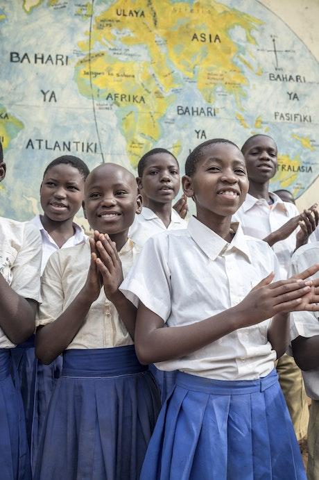 186 meiden weer naar school