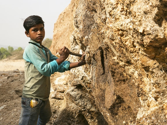 Rajat working in the Mica industry