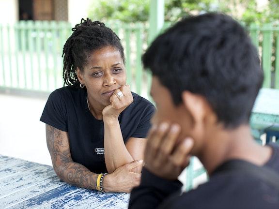 Ambassadeur Dolores Leeuwin in Thailand seksuele uitbuiting van kinderen Terre des Hommes