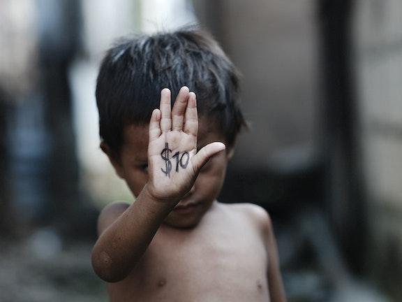 Een 'kindermakelaar' in Pattaya seksuele uitbuiting van kinderen Terre des Hommes Thailand