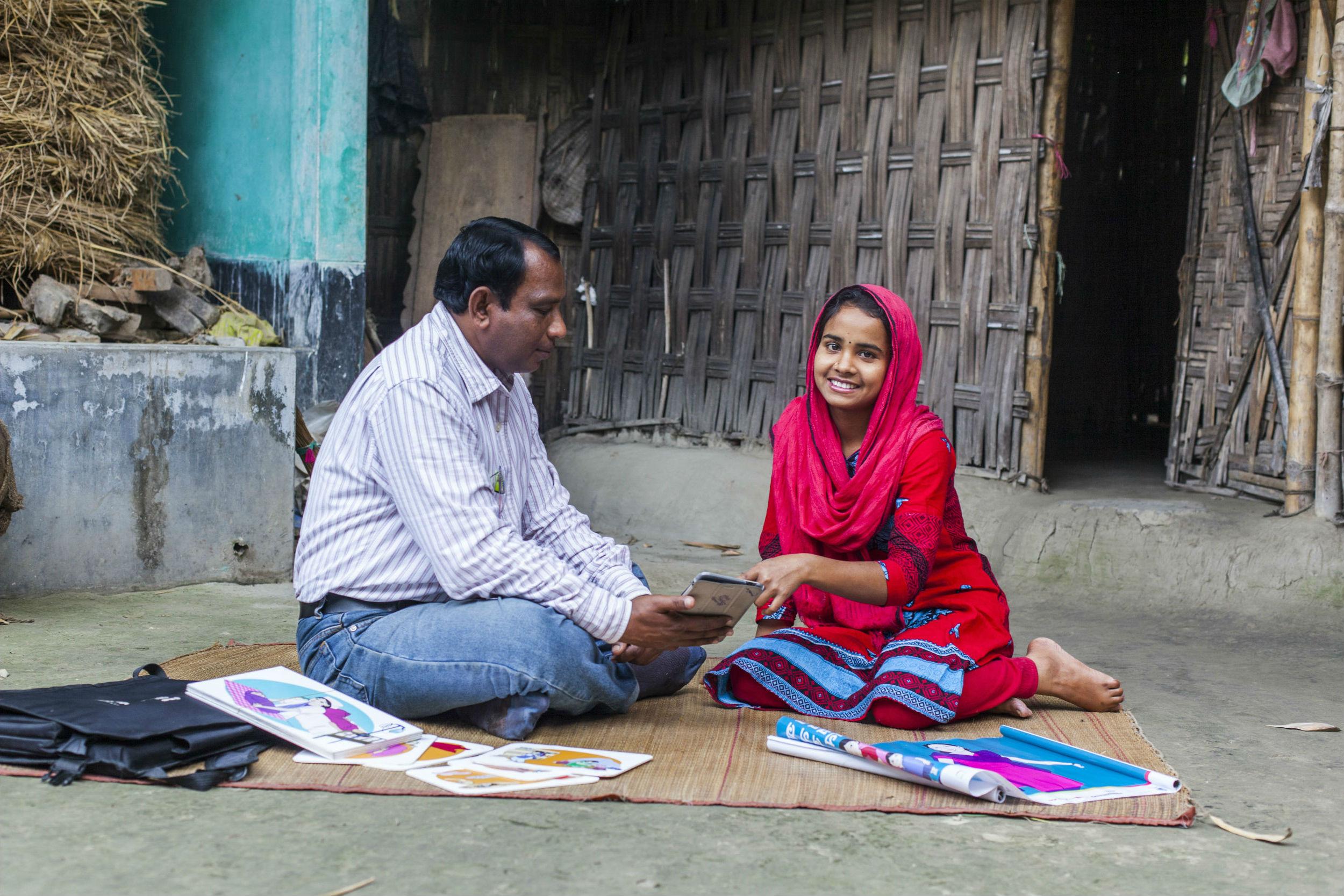 Help & Hulp: een zelfverzekerde kleermaakster Terre des Hommes Bangladesh kindhuwelijken