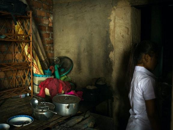"""""""Ik geloofde in gouden bergen in Thailand"""" Terre des Hommes kinderhandel"""