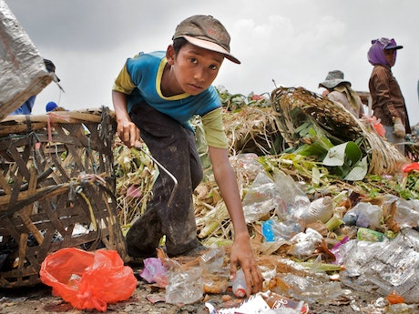 Child labour at garbage dump in Cambodia