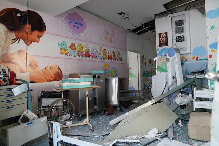 Ziekenhuis in de haven van Beiroet zwaar getroffen