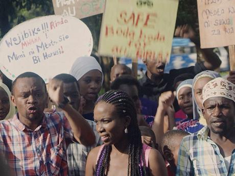Scene uit de film Nambwa FM