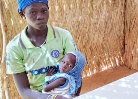 Belem Azéta is moeder van drie kinderen en woont tijdelijk in Burkina Faso