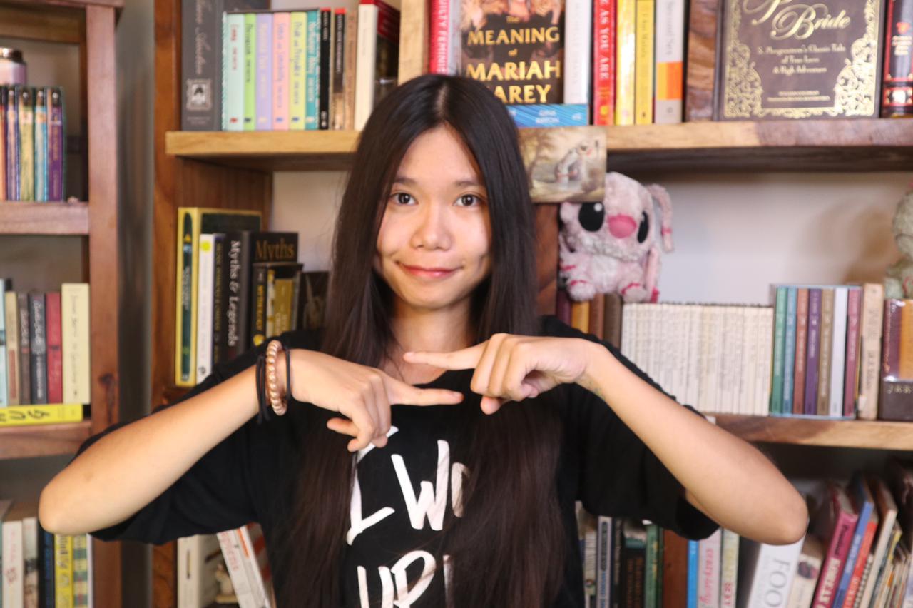De Cambodjaanse vlogger Catherine Harry