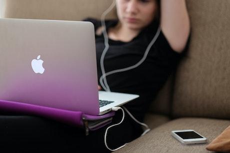 Social media speelt een steeds sterkere rol in het faciliteren van online seksuele uitbuiting