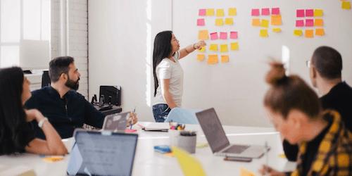 Analisi SWOT: cos'è e come si fa? La guida completa per il tuo business
