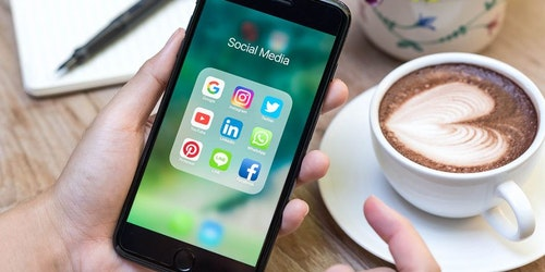 Los mejores horarios para publicar en redes sociales [INFOGRAFÍA]