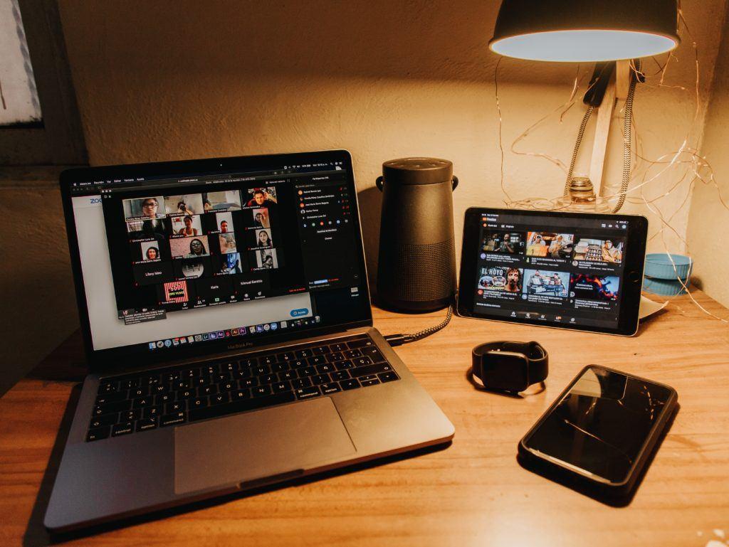 Chamada online: como fazer uma videoconferência