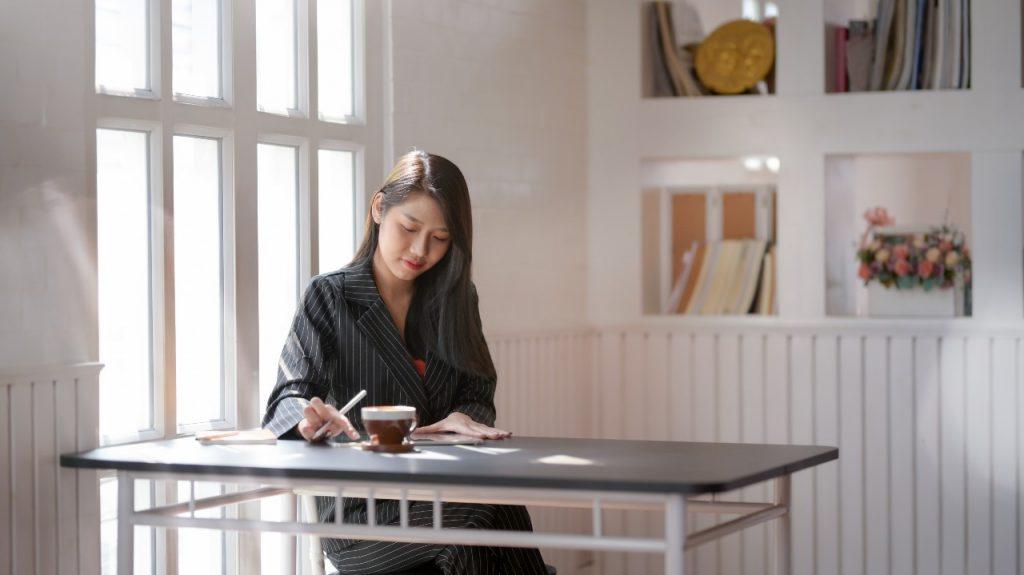 Para manter o controle financeiro pessoal, pague as suas dívidas