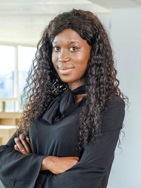 Binta Sonko experte Amazon chez Bizon