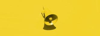 Un mégaphone de couleur jaune