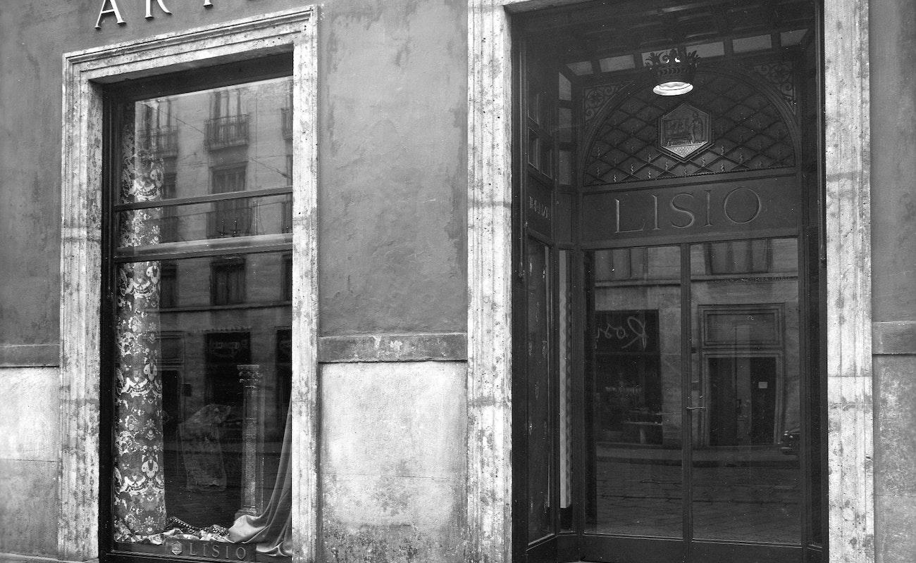 1510314695 milano negozio lisio via manzoni 41 ingresso 1955