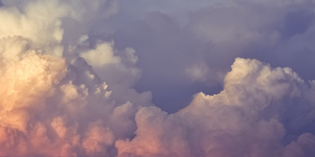 Advantages of cloud HR software hero image