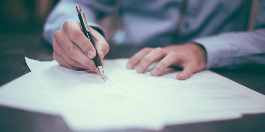 How to write a redundancy letter to employees hero image