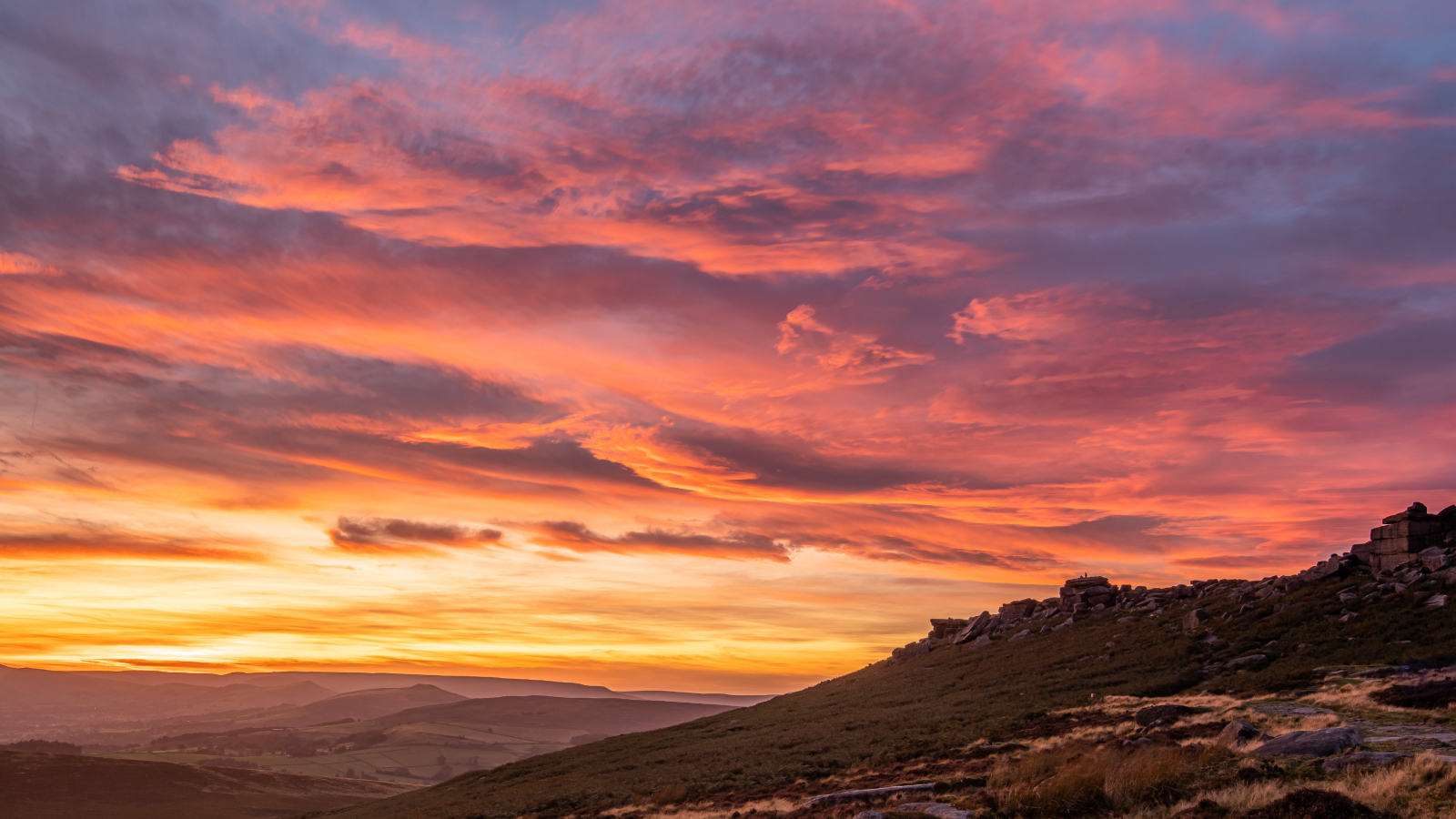 Sunset taken at Stanage Edge Peak District by David Roberts – Photoscoper