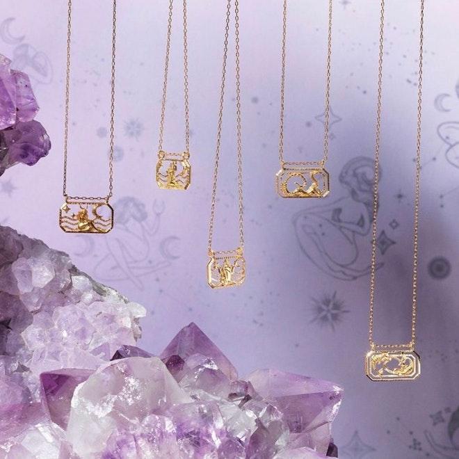 De fineste halskæder med alle de 12 stjernetegn som vedhæng