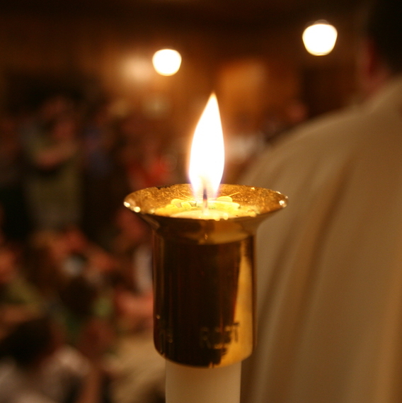 1587207034 altar candle up close