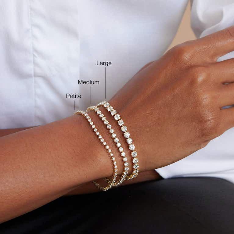 Closeup image of Round Tennis Bracelet - Petite