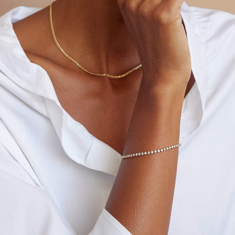 Closeup image of Round Diamond Tennis Bracelet - Petite