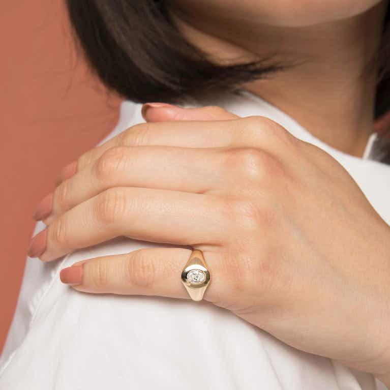 Closeup image of VRAI Signet Ring