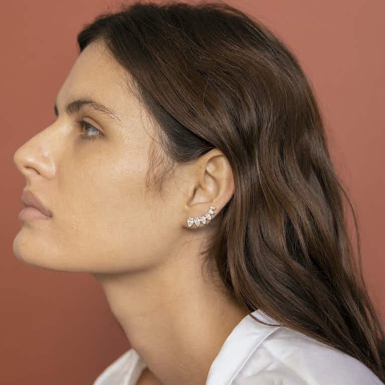 Closeup image of VRAI Ear Arc