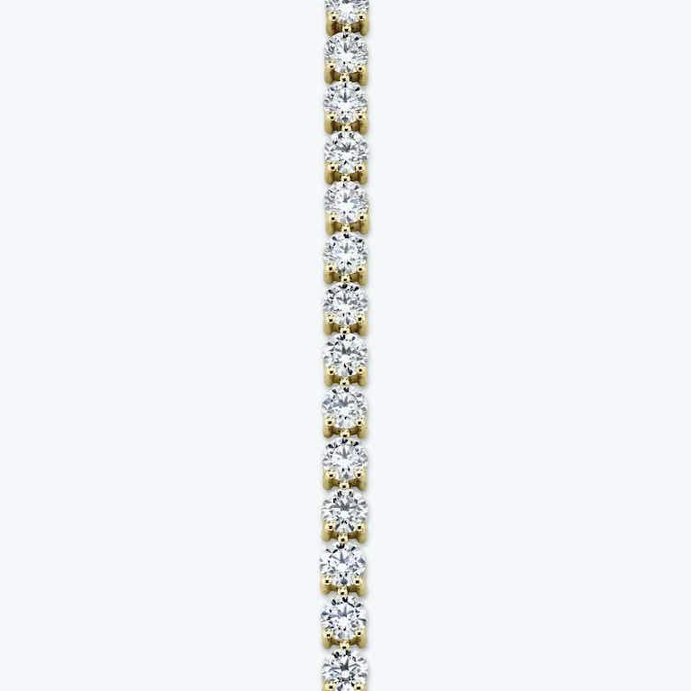 Closeup image of Round Tennis Bracelet - Large