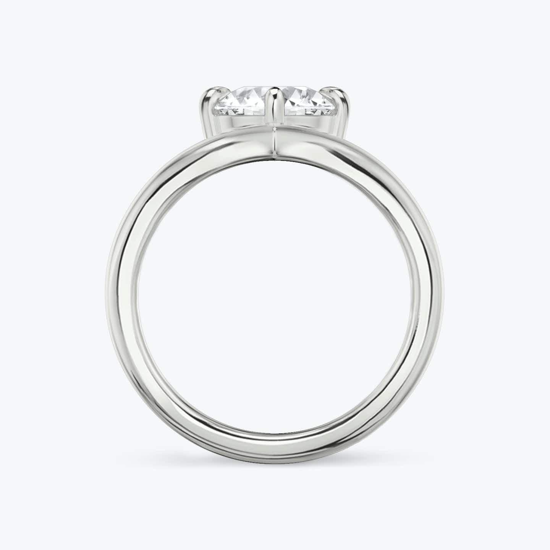 Closeup image of Signature V Ring