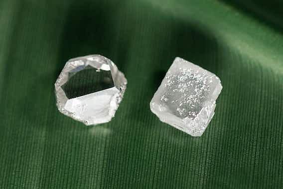 Sind im Labor kreierte Diamanten echte Diamanten?